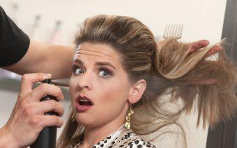Si hair-stilistii mai gresesc, nu-i asa?