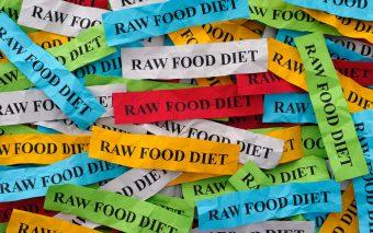 Care-i treaba cu dieta raw?