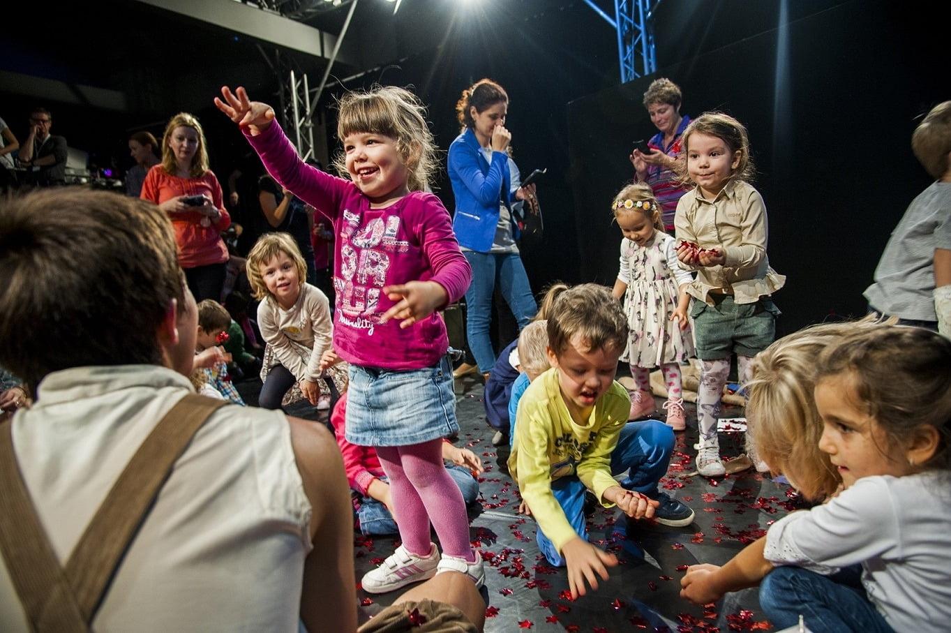 Zbor_prin_povesti_Teatrul_Ion_Creanga_6.10.2015_by_Alexandra_Jitariuc_92