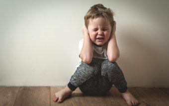 Fii pe faza: asculta emotiile copilului tau!
