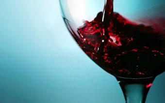 Combate celulita cu vin rosu