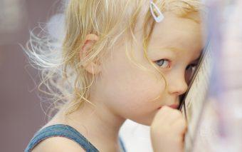 3 METODE puternice pentru a educa un copil anxios (1)