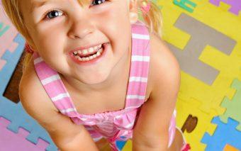 Parintele pozitiv isi ajuta copilul asa fie disciplinat cu vorba buna