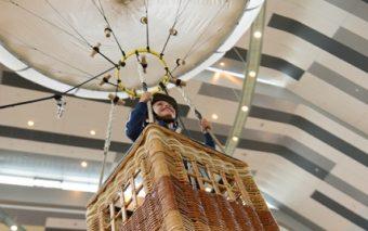 Copiii cu spirit de aventura  se pot inalta intr-un balon