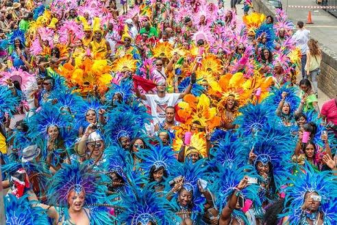 carnavalul-notting-hill-din-londra