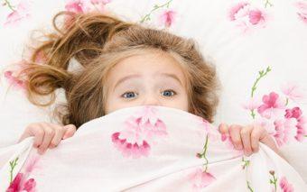 10 pasi pentru ca al tau copil sa doarma singur