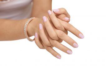 Cum previi imbatranirea mainilor?