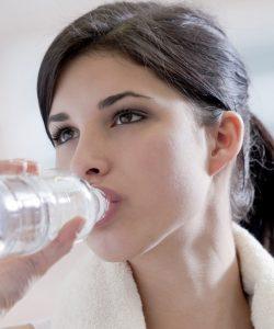 8 lucruri uimitoare care se intampla daca bei apa pe stomacul gol