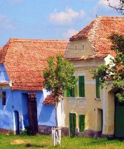 Descopera cele mai colorate sate din Romania