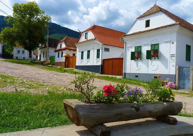Descopera cele mai colorate sate din Romania. Rimetea, judetul Alba