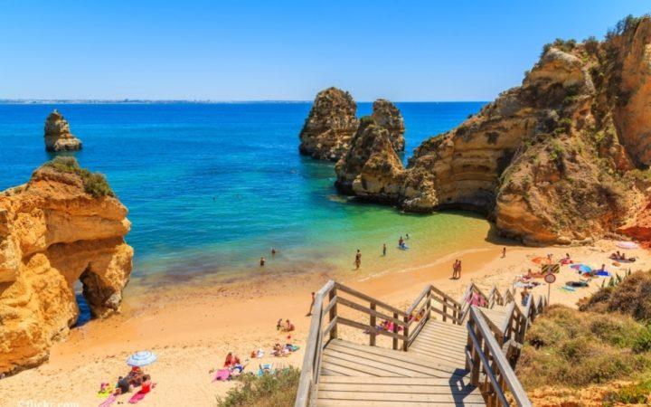 Snorkeling, plimbari cu barca si rasfat la soare, in Algarve