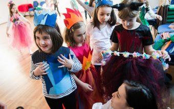 Actrița Ioana Ginghină dă startul cursurilor de actorie pentru copii