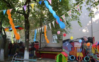Grădina Şevaletelor şi-a deschis porţile pentru copiii  de toate vârstele