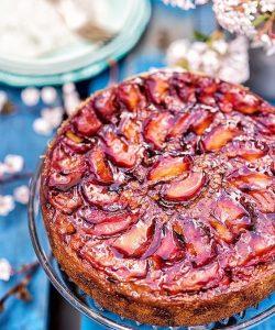 Pandișan cu prune răsturnat a la Jamie Oliver
