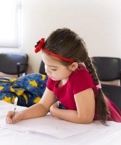 Rosul unghiilor la copii. Ce se ascunde dincolo de ronțăială?
