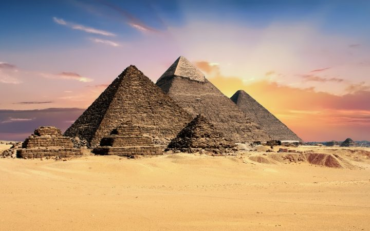 Cairo - Piramidele de la Giza