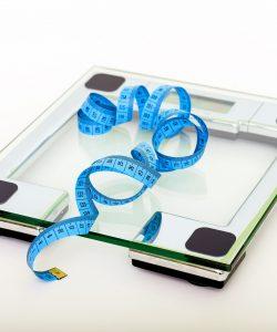 """""""Dieta de 8 ore"""", în care poți pierde până la 15 kg, în doar 6 săptămâni"""