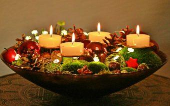 5 idei pentru decorațiunile de pus pe masa de Crăciun