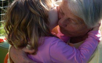 E foarte important să-i vizitezi pe bunici...chiar dacă tu ai crescut!