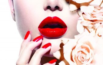 Modele de manichiura pentru sarbatori:  3 idei de la Jessica Vartoughian