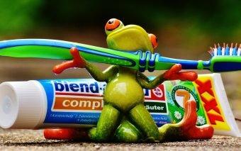 Dinții trebuie spălați de îndată ce au ieșit