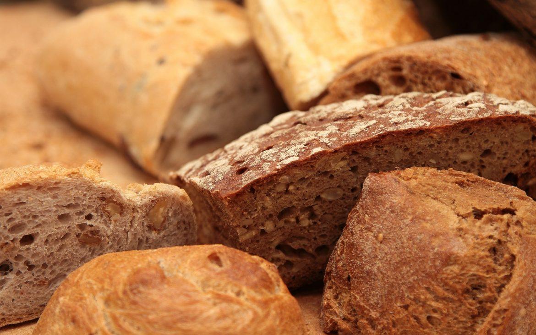 Pâine semi-integrală cu nuci