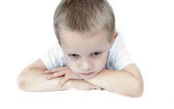 Anxietatea la copii: un semnal de alarmă deloc de neglijat