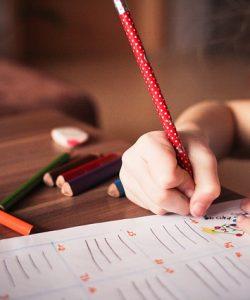 învață copilul să scrie