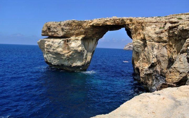 Cu barca luzzu spre Insula lui Ulise