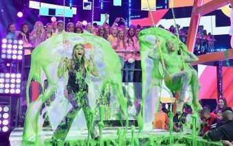 Dwayne Johnson, Demi Lovato, Ed Sheeran, Camila Cabello, Zendaya, Millie Bobby Brown, Fifth Harmony, Stranger Things, Coco și mulți alții câștigă la Nickelodeon's 2018 Kids' Choice Awards