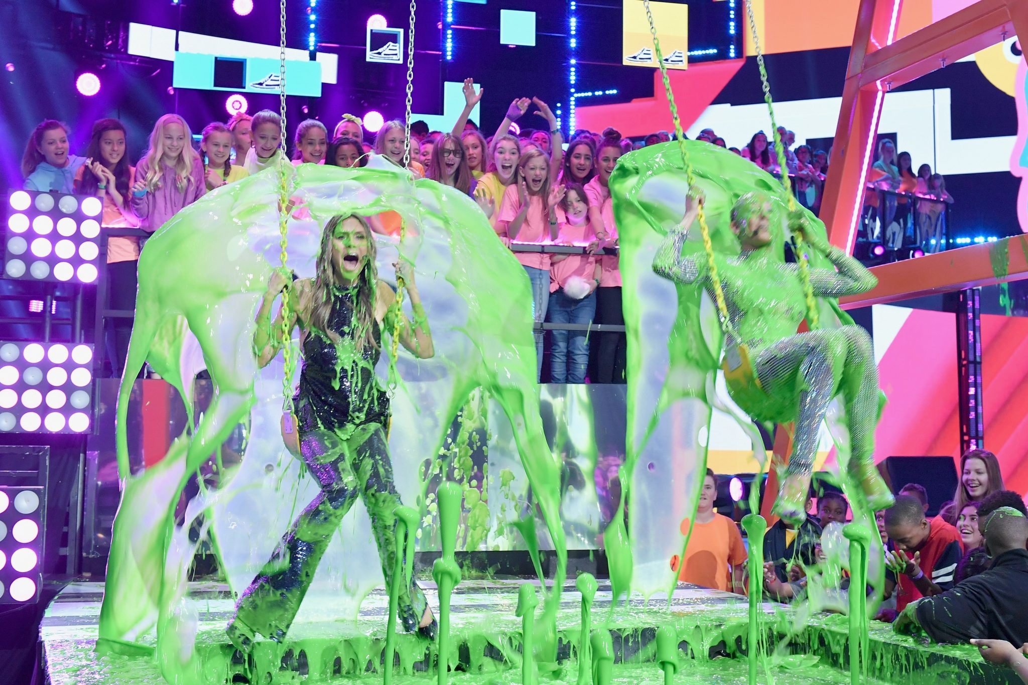 Dwayne Johnson, Demi Lovato, Ed Sheeran, Camila Cabello, Zendaya, Millie Bobby Brown, Fifth Harmony, Stranger Things, Coco și mulți alții câștigă la Nickelodeon's 2018 Kids' Choice Awards