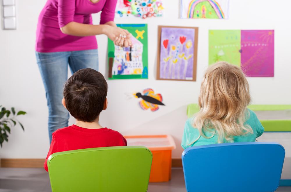 Cum înveți copilul să citească cu 5 metode simple și eficiente