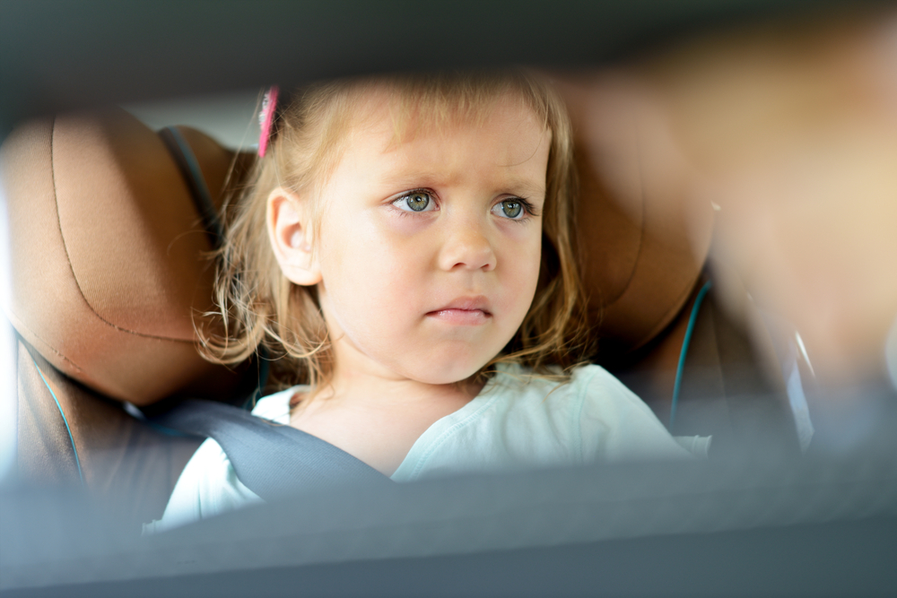 Alergia copiilor la praf: care sunt primele simptome și cum o eviți?