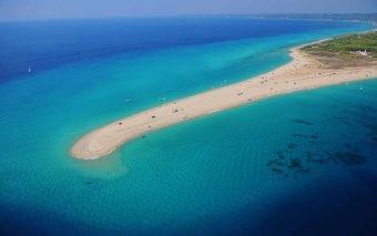 Primăvara în Halkidiki. 5 plaje pe care trebuie să le vezi la finalul acestei primăveri