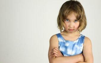 Invidia la copii. De ce apare și ce pot face părinții?