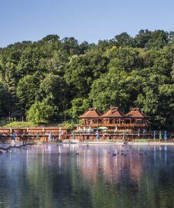 Lacul Ursu se deschide pentru sezonul de vara 2018