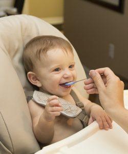 Ce trebuie să mănânce un bebe la 9 luni