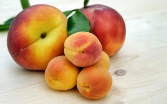 Fructe pentru bebeluși