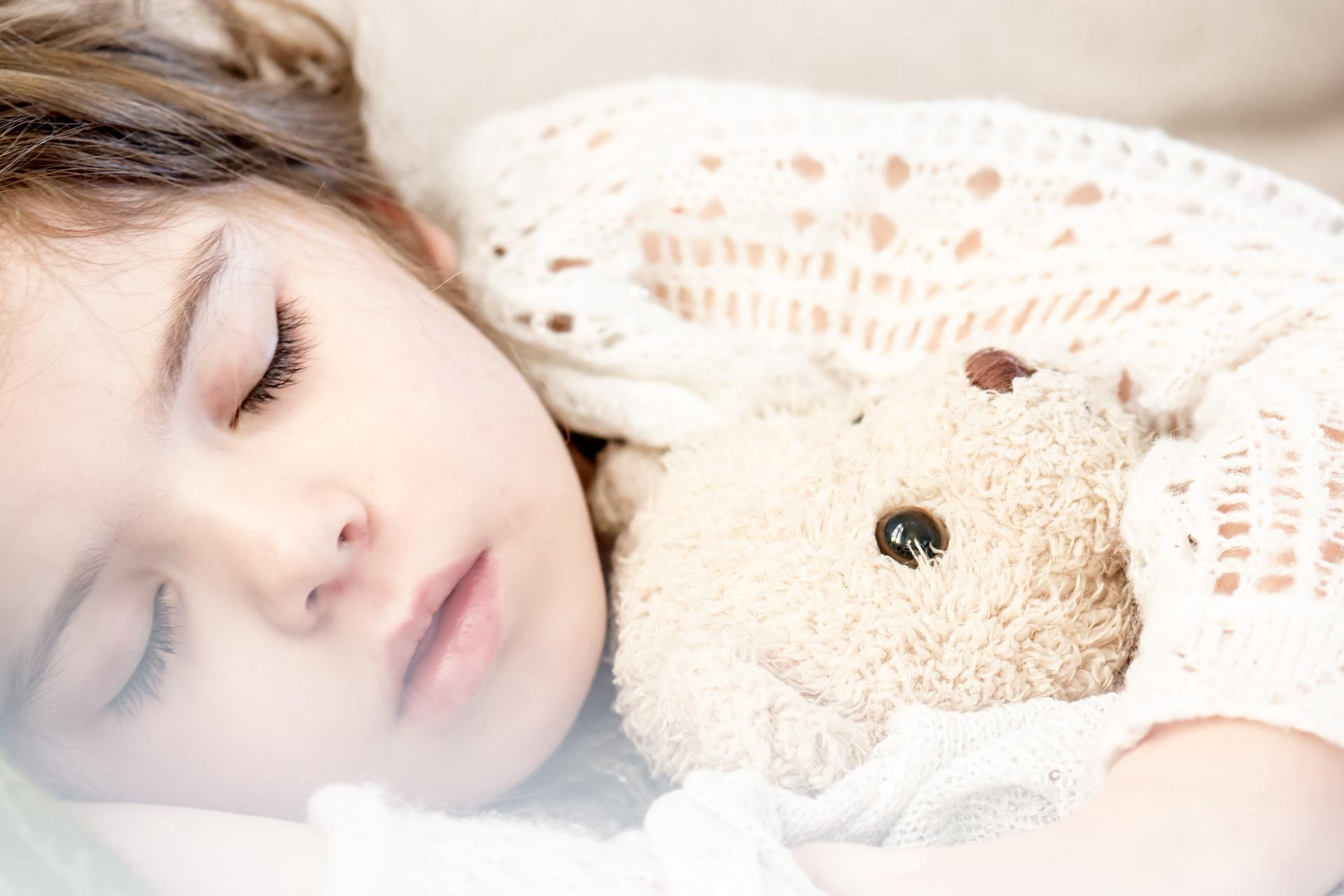 învață copilul să doarmă singur