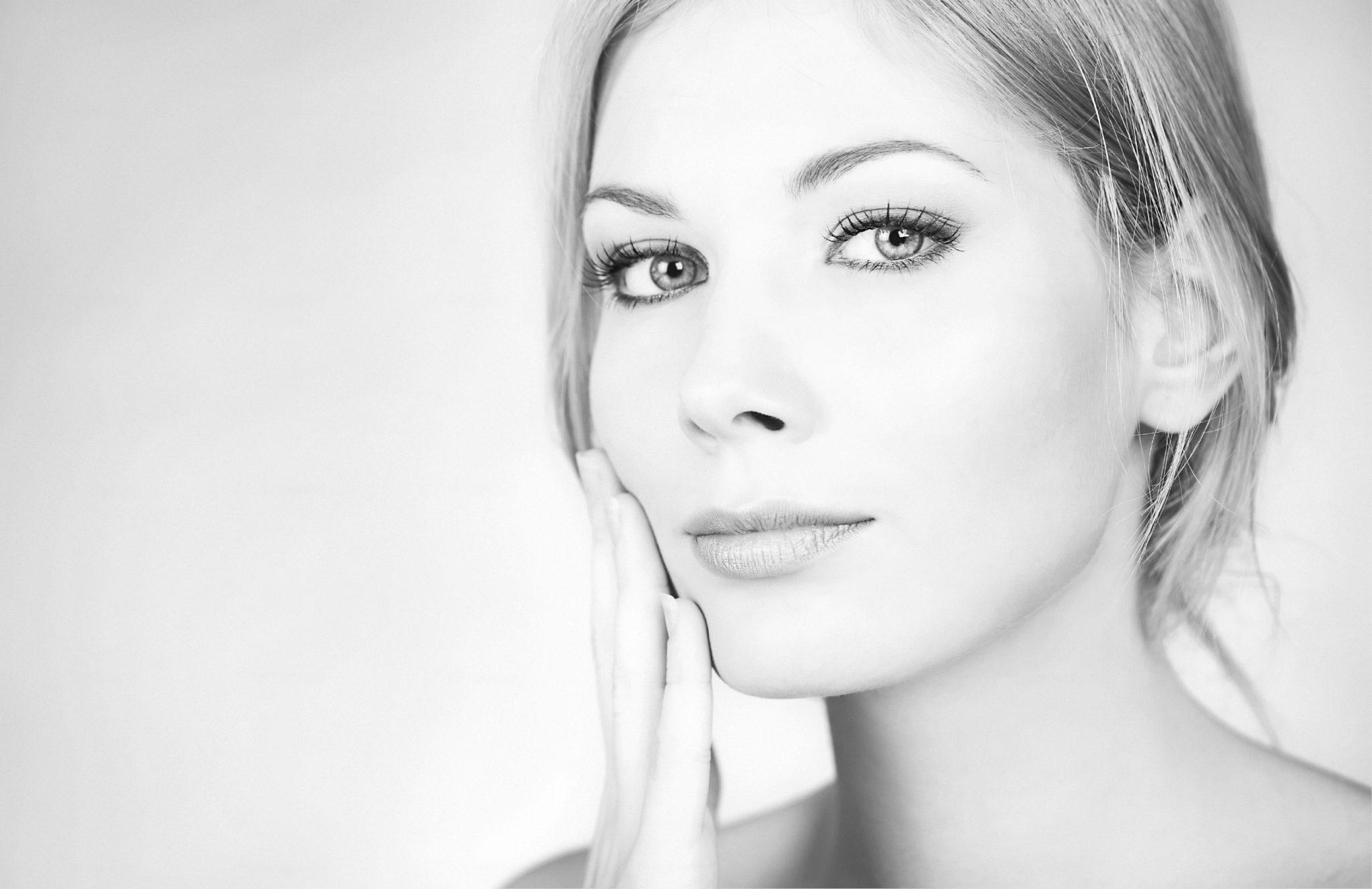 3 produse de îngrijire obligatorii în rutina de frumusețe