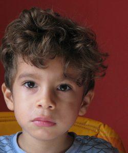 De ce să nu țipi la copil