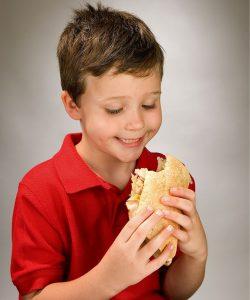Ce dați copiilor pentru pofta de mâncare