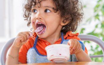 Metode prin care convingi copilul să mănânce. Iată cinci dintre ele!
