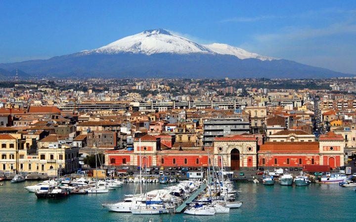Catania, Perla Neagră a Mării Ionice