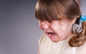 Cum afli dacă e stresat copilul tău. Cauze și comportament