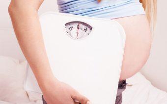 Greutatea în timpul sarcinii: ce faci când începe să îți aducă probleme?