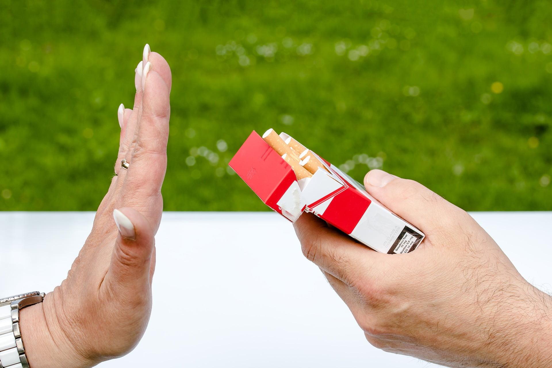 """Deși despre beneficiile imediate ale renunțării la fumat """"vorbesc"""" toate campaniile pornite împotriva acestui viciu, despărțirea definitivă de țigări nu-i ușoară."""