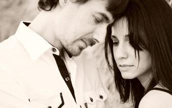 De ce alegem parteneri nepotriviți? Răspunsul este unul de notorietate: pentru că dragostea este oarbă.