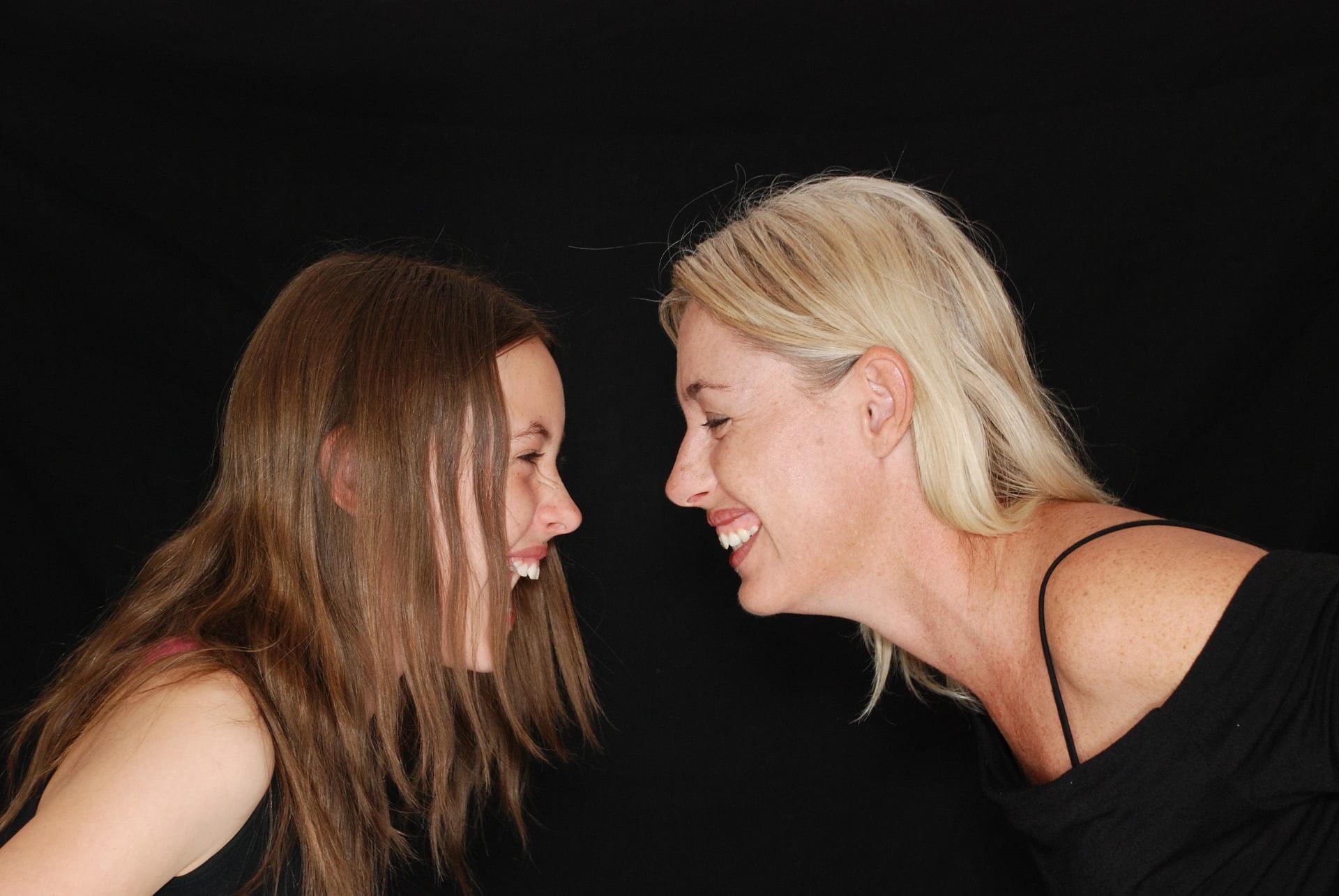 În general – pentru că admitem și existența excepțiilor – relația dintre mamă și fiică este una pozitivă