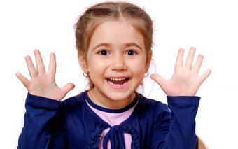 Intrarea în colectivitate favorizează adesea infestarea cu viermișori la copii.